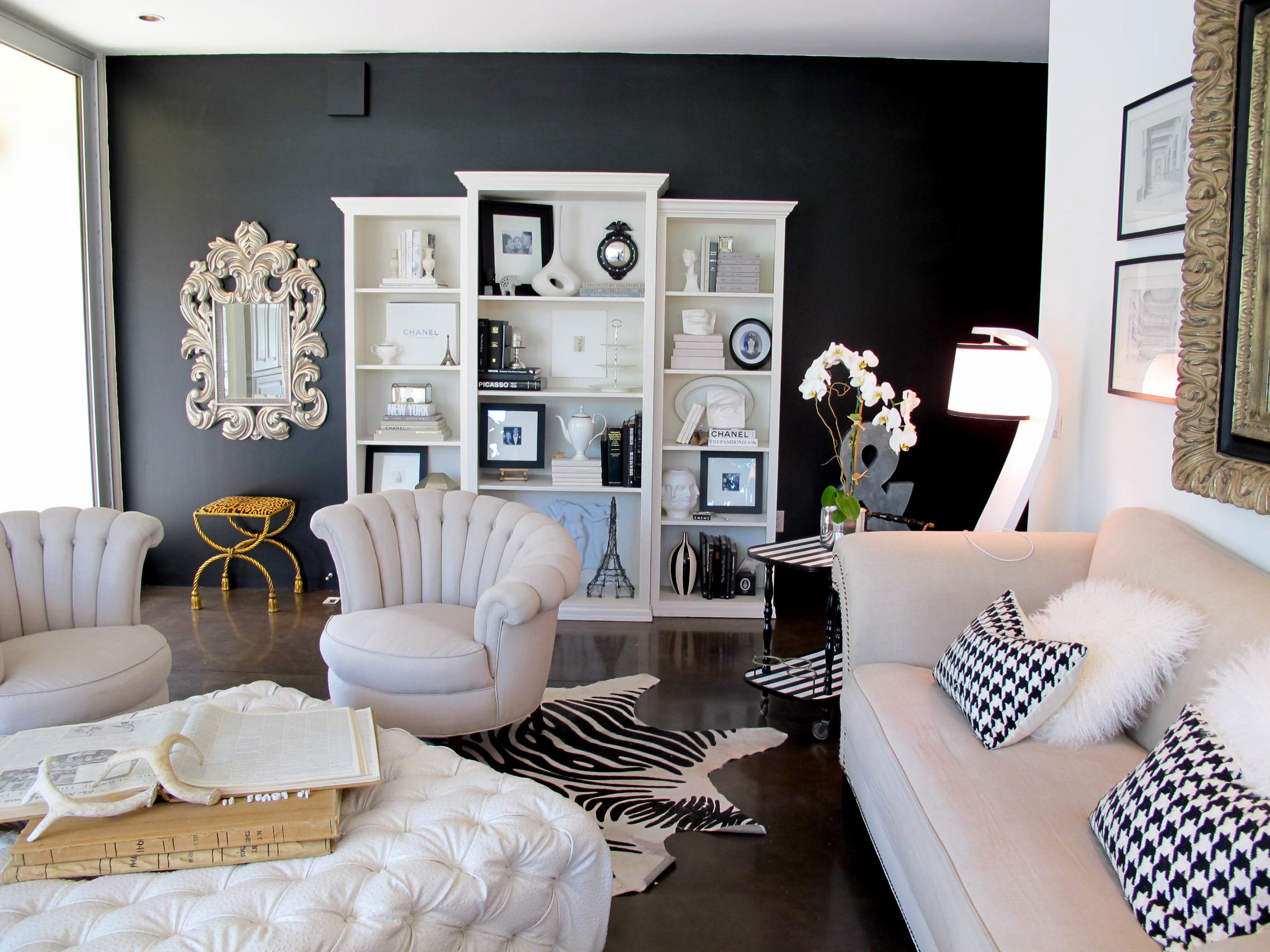 Accent wall vra interiors for Dark walls white furniture