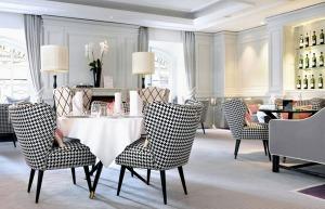 1-Place-Vendôme-Restaurant-Seats